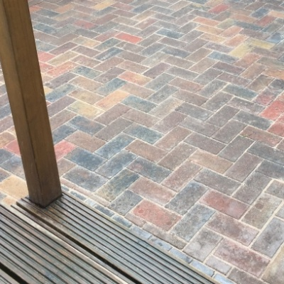 Surfacing block patio paving